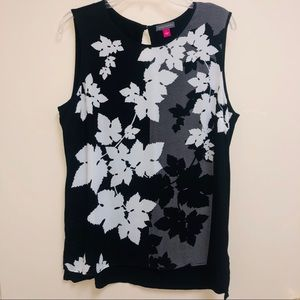 Vince Camuto Black/White print career top large